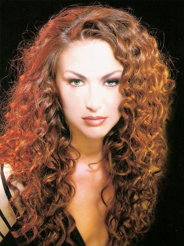 Dauerwelle und Haarglättung von Point – Hair amp; Beauty in München